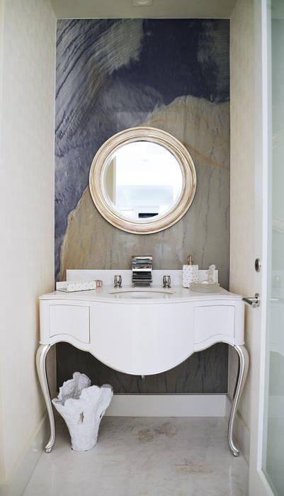 Banheiros modernos por Erika Winters® Design Moderno