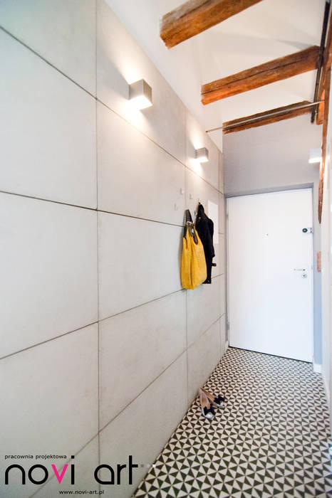 Couloir, entrée, escaliers scandinaves par homify Scandinave Tuiles