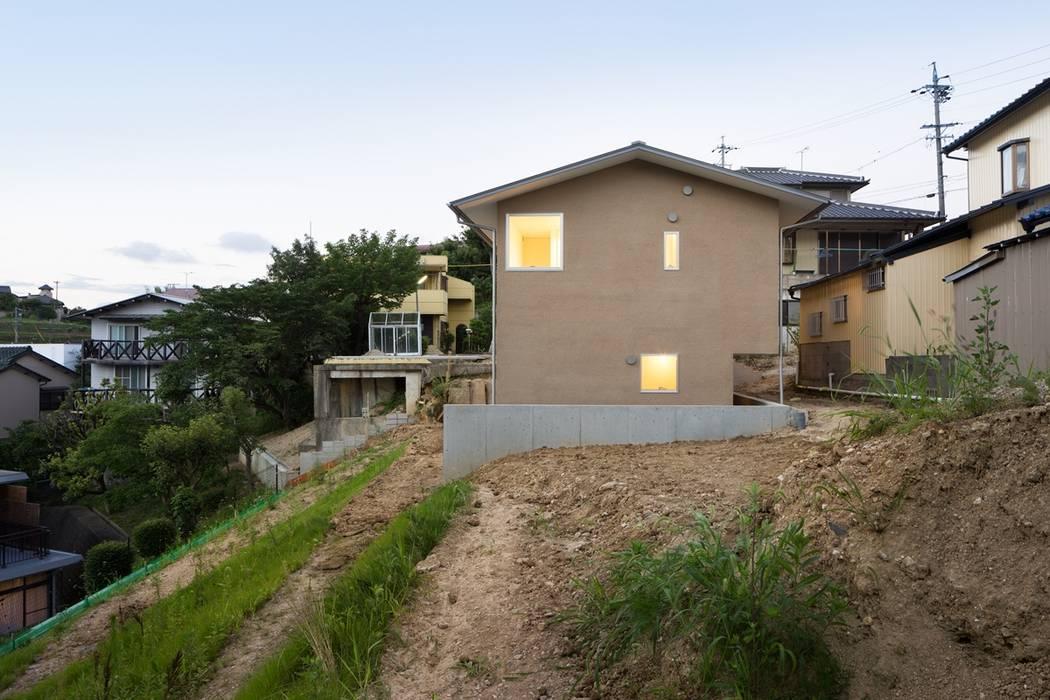 Scandinavian style houses by 市原忍建築設計事務所 / Shinobu Ichihara Architects Scandinavian Solid Wood Multicolored