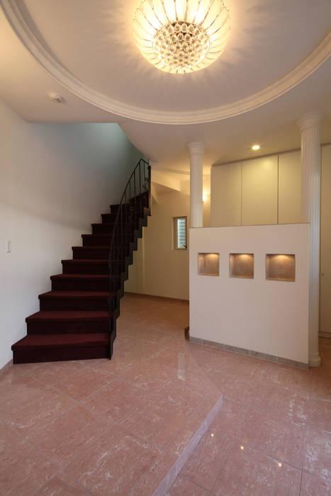 一級建築士事務所アトリエm Classic style corridor, hallway and stairs Marble