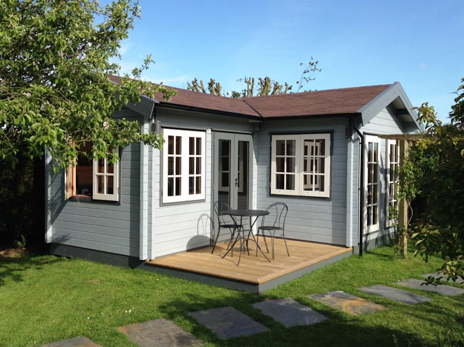 L. Shaped garden office Country style garden by Garden Affairs Ltd Country