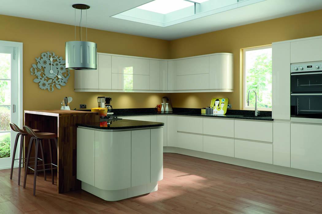 Lacarre Pronto Gloss Cream Kitchen Modern kitchen by Kree8 Modern