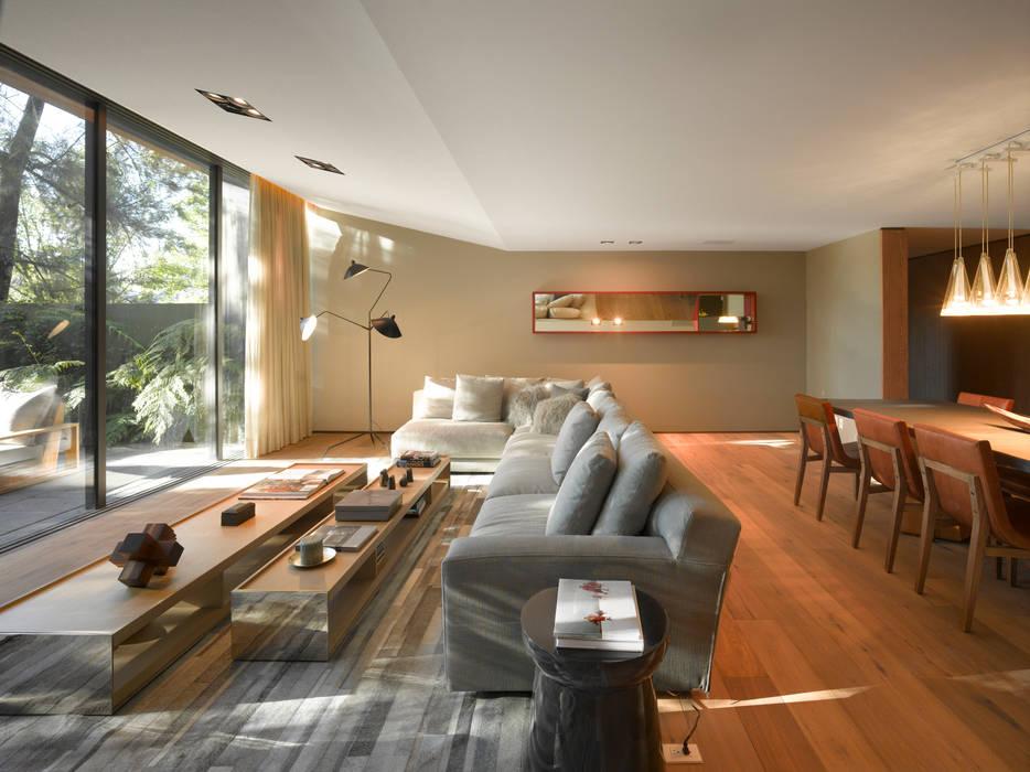 Casa Barrancas Salones modernos de Ezequiel Farca Moderno