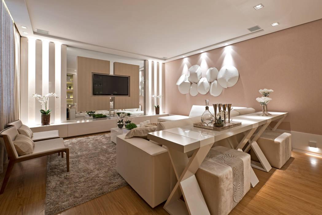 Modern living room by Rolim de Moura Arquitetura e Interiores Modern
