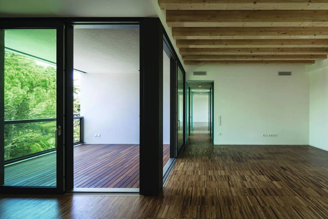 Carollo Serramenti snc Modern windows & doors