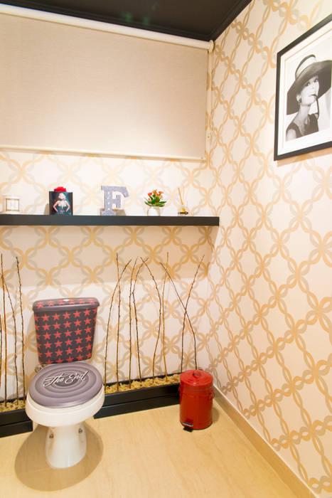 Banheiro de Cinema Lojas & Imóveis comerciais modernos por homify Moderno