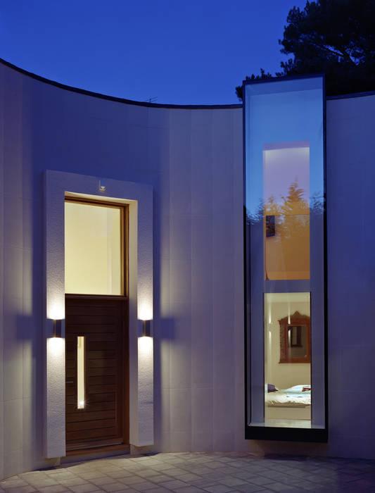 Linkside : Outsized Culmax Oriel Bay Windows Modern windows & doors by Maxlight Modern