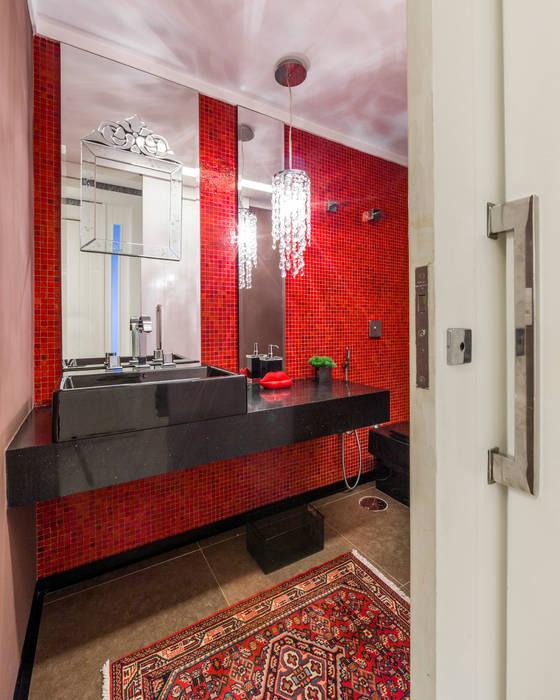 Lavabo Banheiros clássicos por Enzo Sobocinski Arquitetura & Interiores Clássico