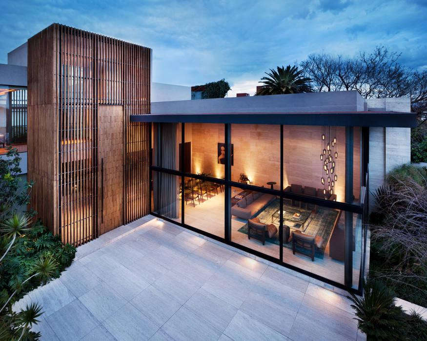 Houses by C Cúbica Arquitectos , Modern