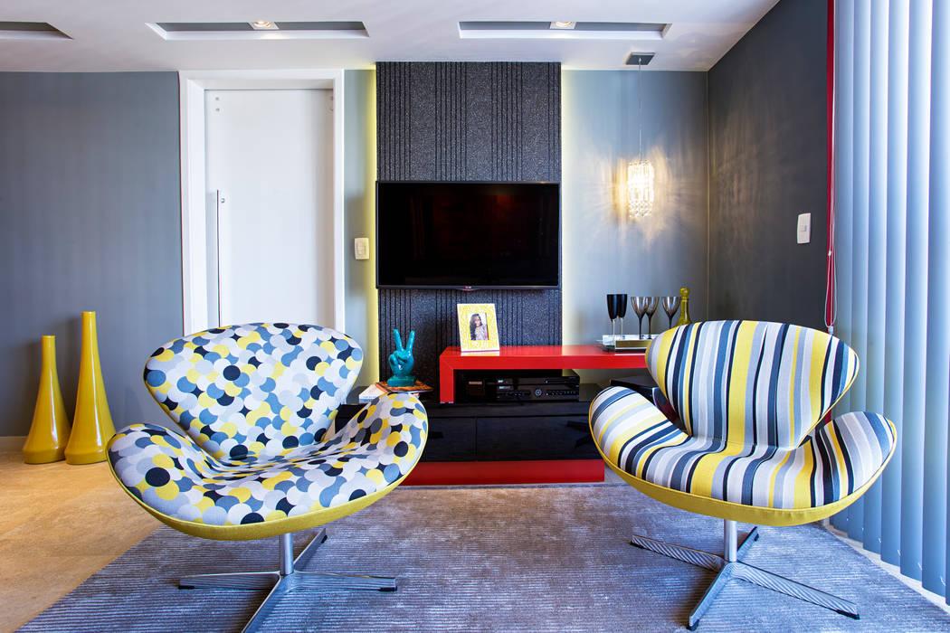 Poltronas Swan:   por Lo. interiores,Moderno