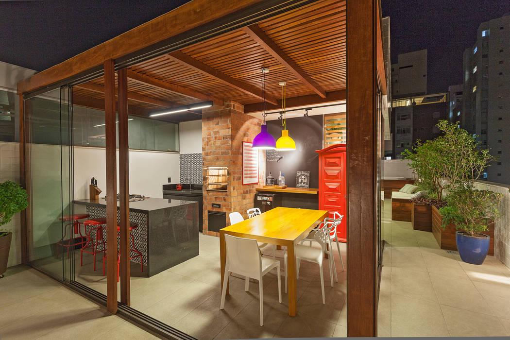 Cobertura .SC Amis Arquitetura e Decoração Varandas, alpendres e terraços ecléticos