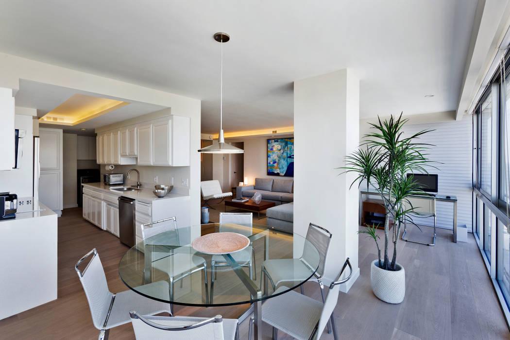 Salle à manger moderne par Weber Arquitectos Moderne