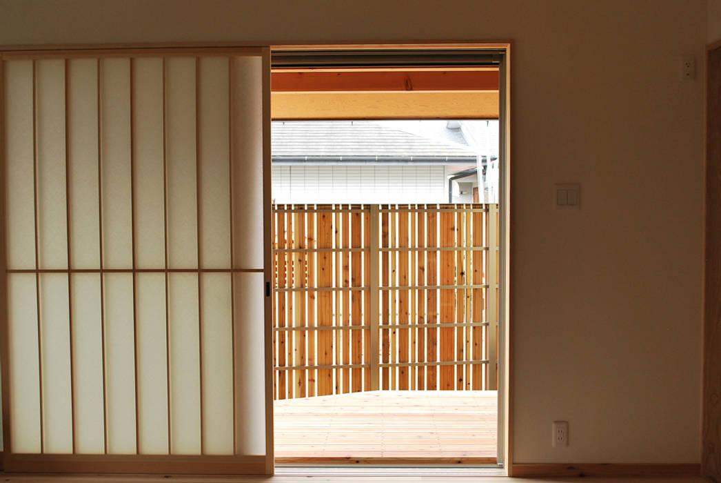 Ruang Keluarga oleh 西川真悟建築設計, Modern