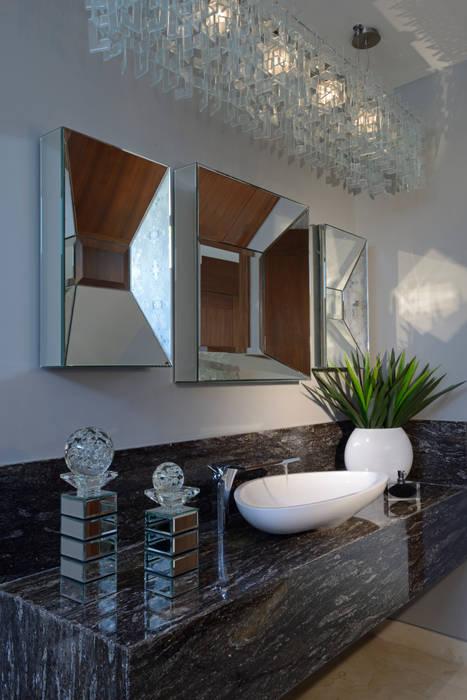 Baño Casa GL Baños modernos de VICTORIA PLASENCIA INTERIORISMO Moderno Granito