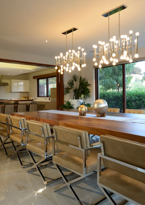 Comedor de terraza casa GL: Comedores de estilo  por VICTORIA PLASENCIA INTERIORISMO, Moderno Cuero Gris