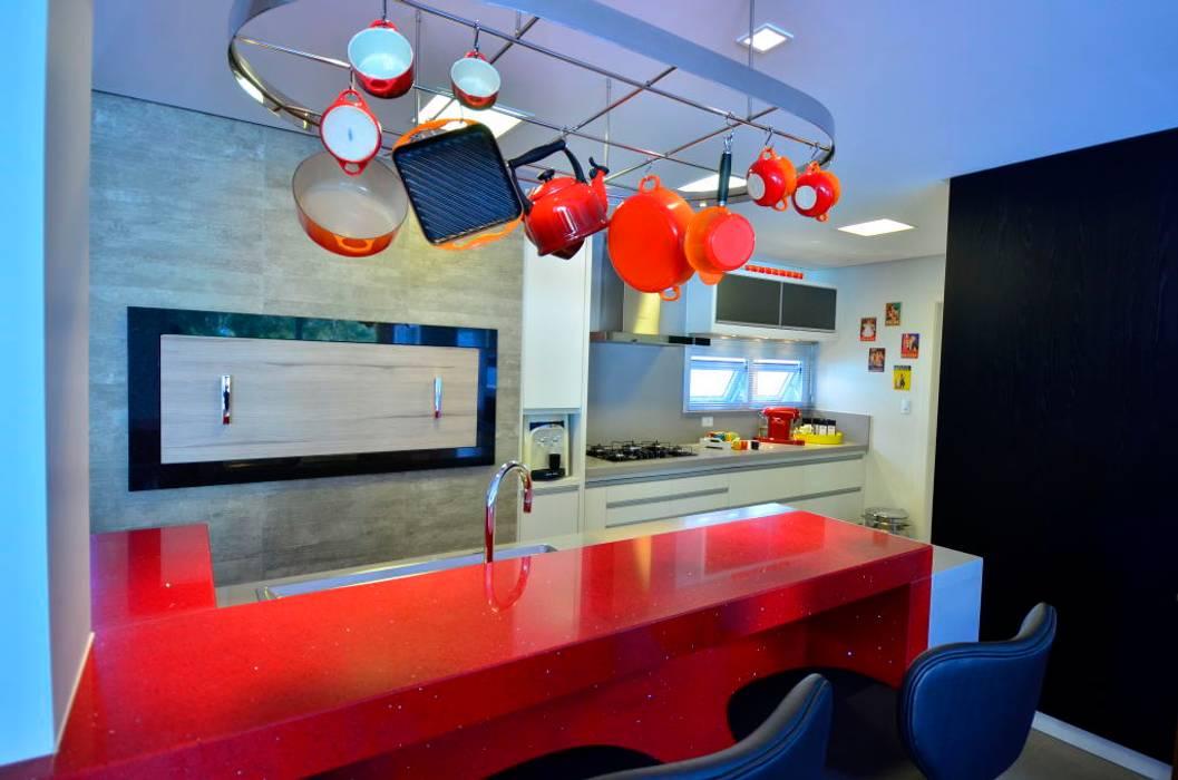 Cozinha com churrasqueira Cozinhas modernas por ARQ Ana Lore Burliga Miranda Moderno