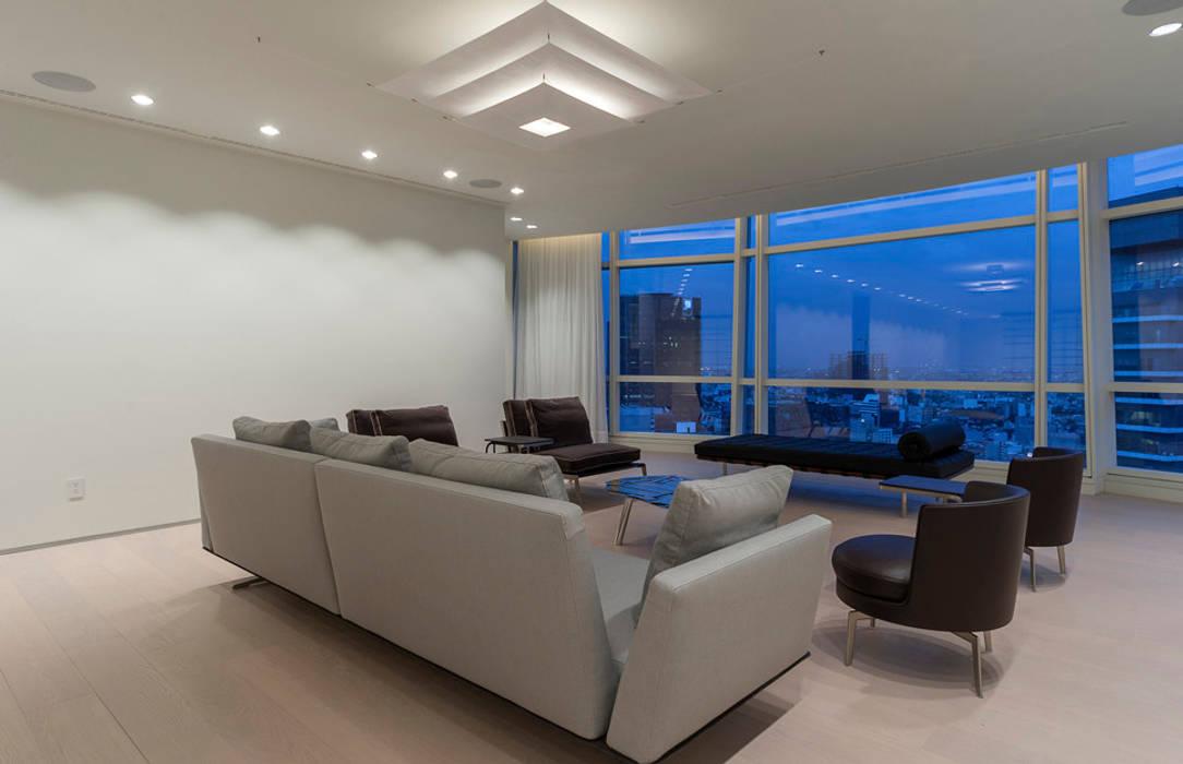 ST. REGIS 2301: Salas de estilo  por TENTER Arquitectura y Diseño, Moderno Madera Acabado en madera
