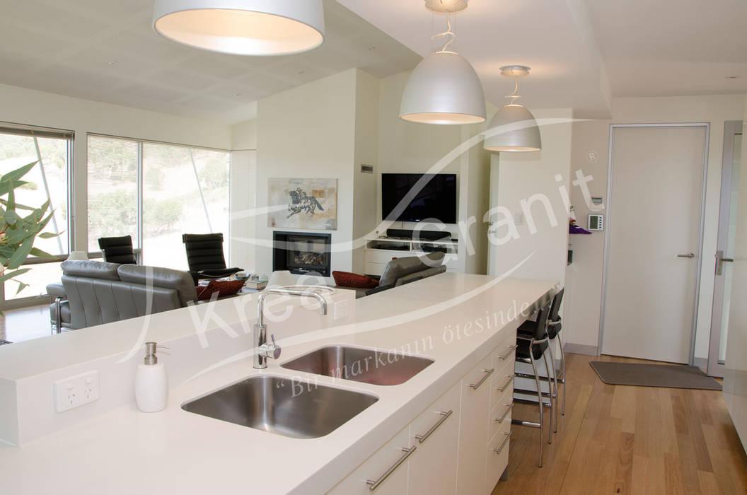 Dupont Corian Glacier White Mutfak Tezgahı Modern kitchen by KREA Granit- Mutfak Banyo Tezgahları Modern