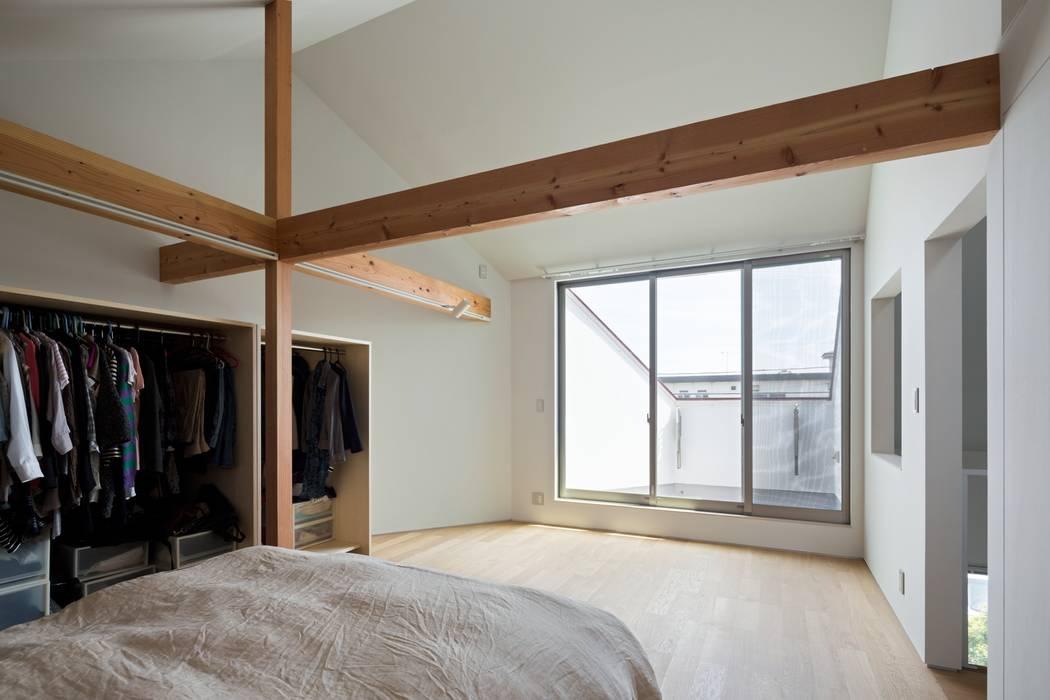 浜竹の家 House in Hamatake モダンスタイルの寝室 の 一級建築士事務所 本間義章建築設計事務所 モダン