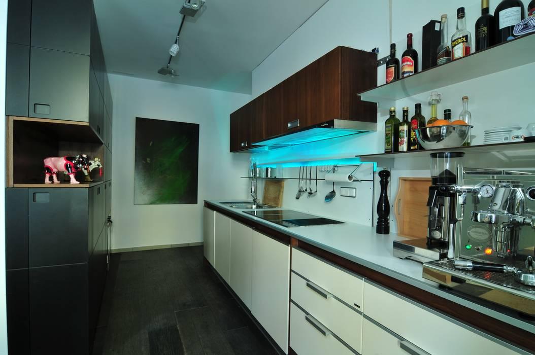 Кухни в . Автор – schrankidee Peter Dany GmbH, Модерн