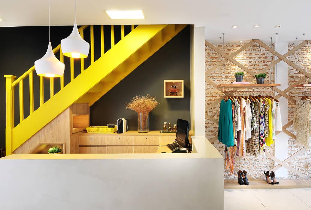 Офисы и магазины в . Автор – Thaisa Camargo Arquitetura e Interiores, Эклектичный
