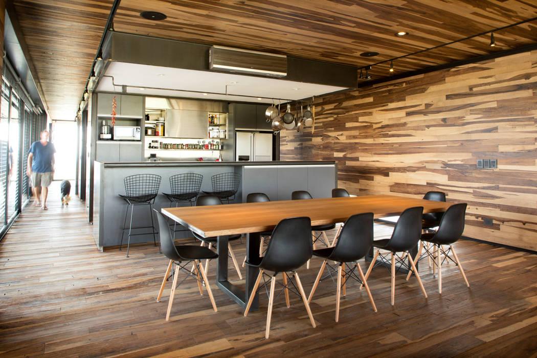 Casa Evans: Comedores de estilo  por A4estudio,Moderno