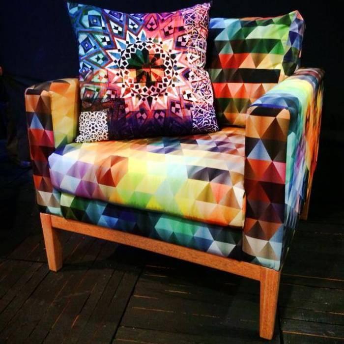 Sillon Multicolor: Estudios y oficinas de estilo  por 11:11 Arte Contemporaneo, Moderno
