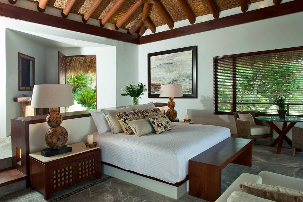 Dormitorios de estilo  por Productos Cristalum