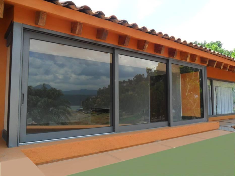 หน้าต่าง โดย Productos Cristalum , คลาสสิค อลูมิเนียมและสังกะสี