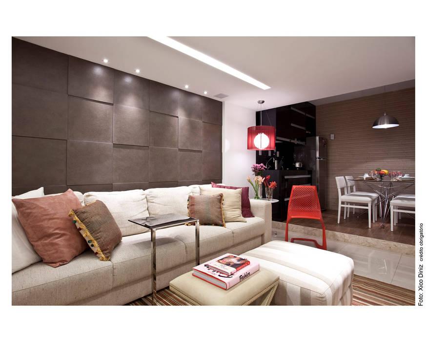 Living room by Wesley Lemos Arquitetura & Design, Modern
