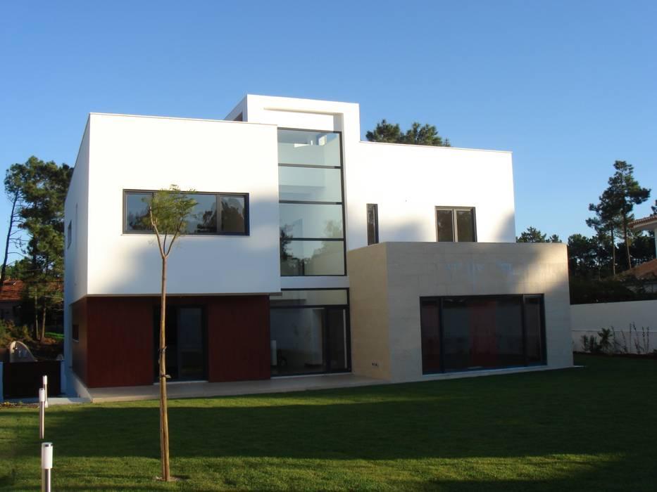 House Gui and Gus - Verdizela Casas modernas por ASPMM, Arquitectos Moderno