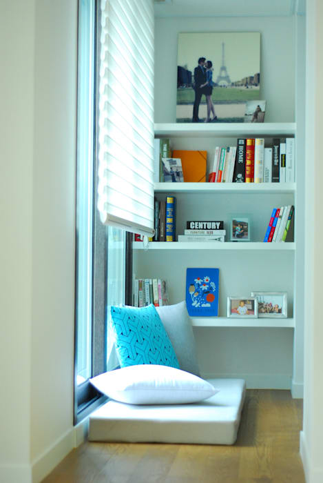 homify Modern Study Room and Home Office