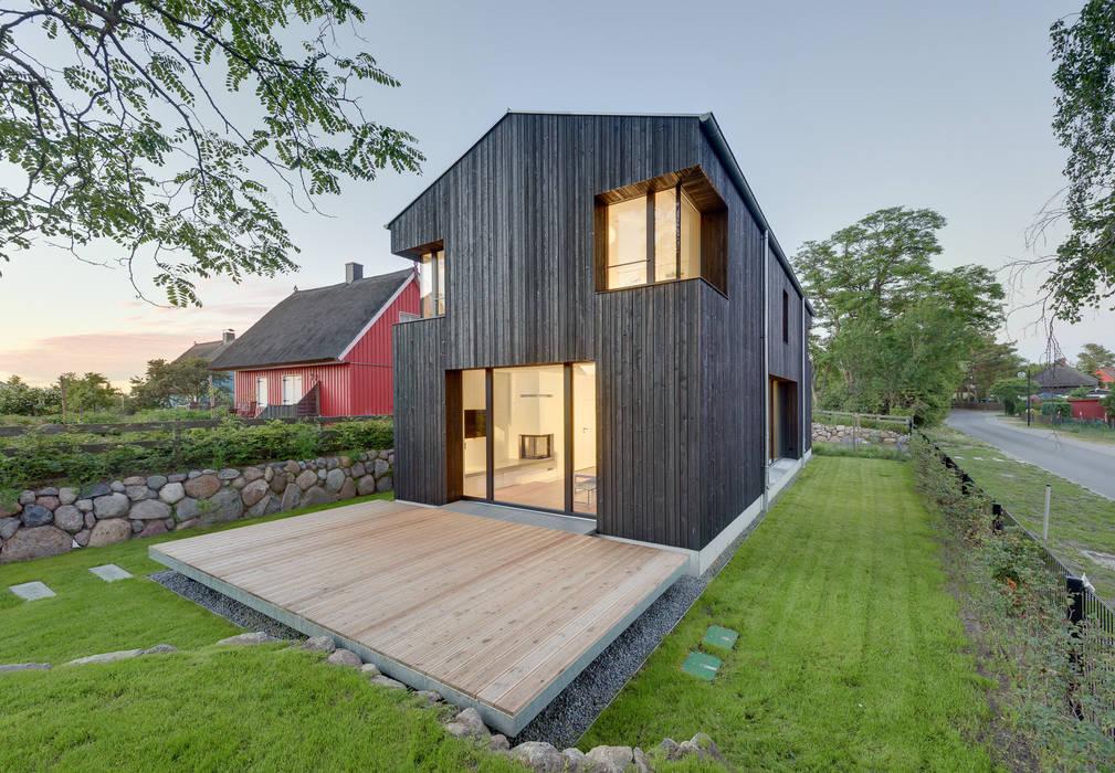 Techos a dos aguas de estilo  por Möhring Architekten, Moderno