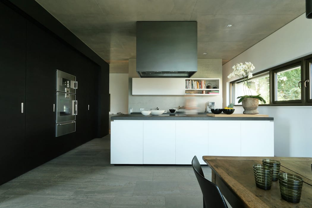 Blocher Blocher India Pvt. Ltd. Modern kitchen