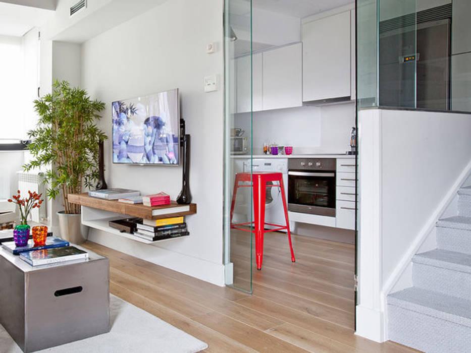 Moderne Küchen von BELEN FERRANDIZ INTERIOR DESIGN Modern