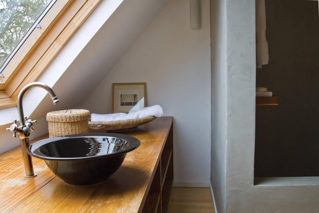 Baños de estilo  por Paula Herrero | Arquitectura, Moderno