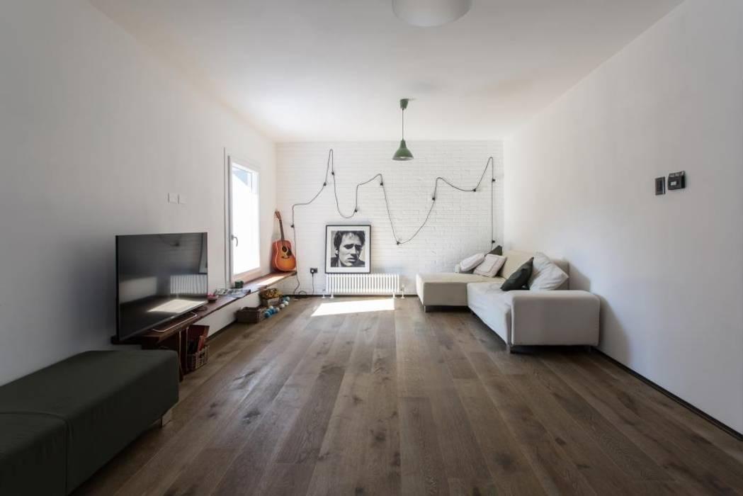 Moderne Wohnzimmer von km 429 architettura Modern
