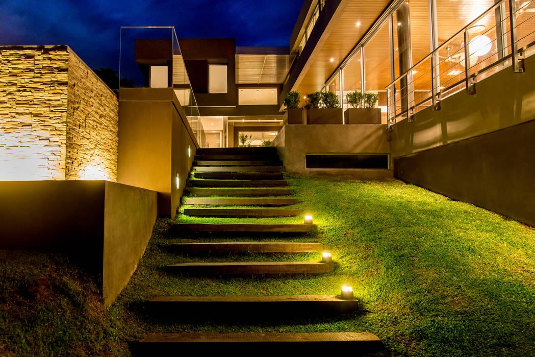 Casas estilo moderno: ideas, arquitectura e imágenes de Saez Sanchez. Arquitectos Moderno