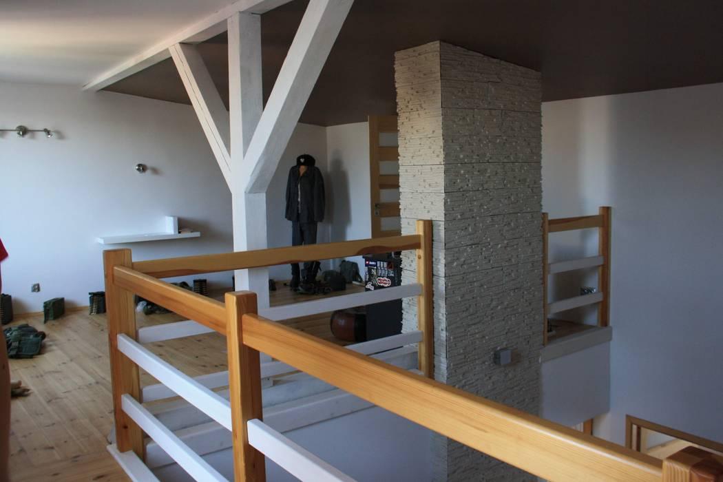 Koridor & Tangga Modern Oleh STUDIO BB ARCHITEKCI TOMASZ BRADECKI Modern