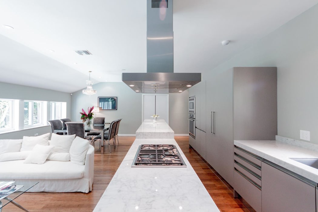 Dilido Island House-Miami 2 Salones modernos de Elías Arquitectura Moderno