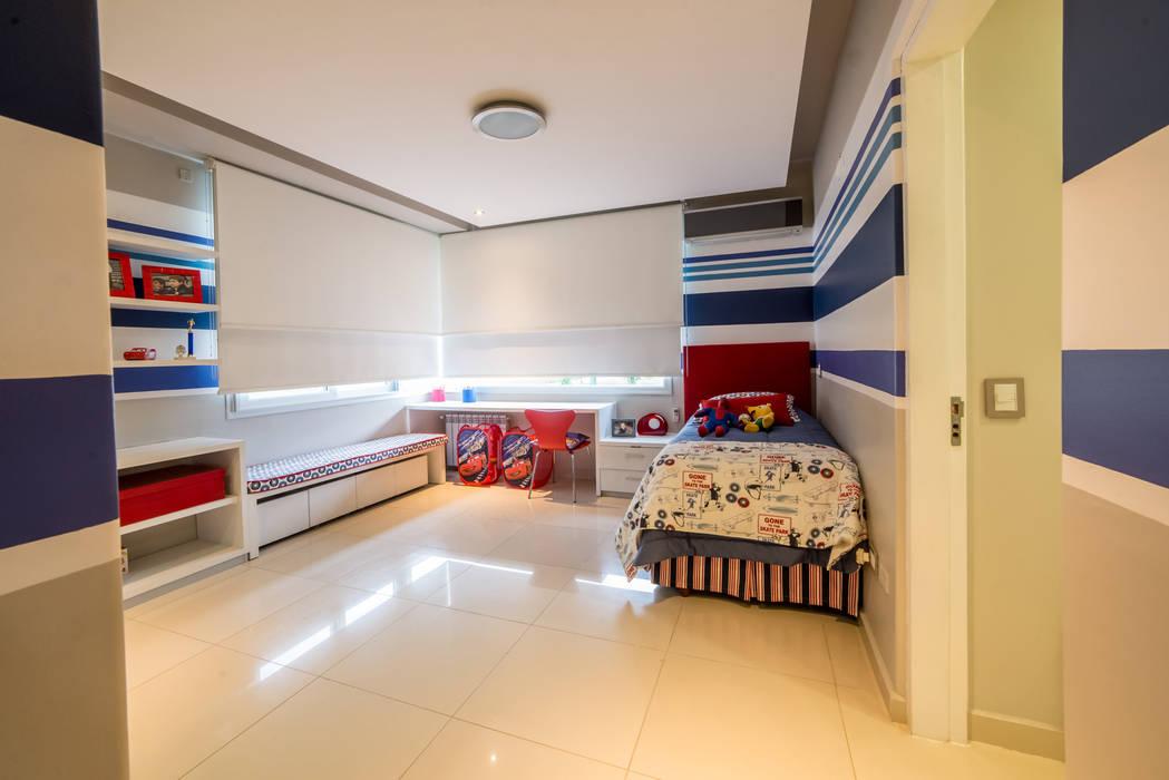 Saez Sanchez. Arquitectos Dormitorios de estilo moderno