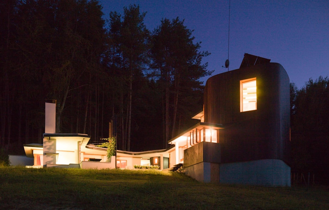 Fishing Lodge, Bulgaria:  Houses by Simon Gill Architects