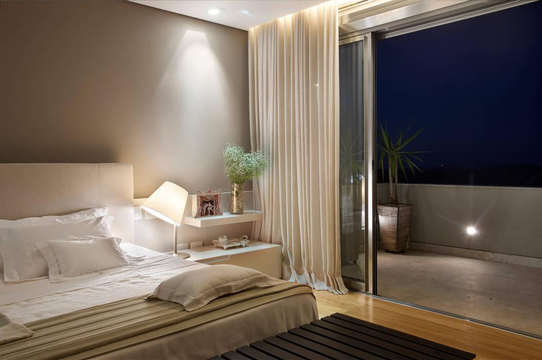 Chambre moderne par Manuela Senna Arquitetura e Design de Interiores Moderne
