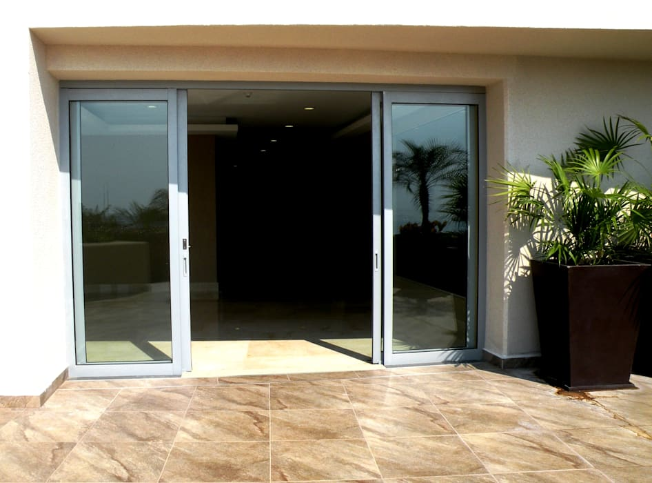 Puertas Puertas y ventanas clásicas de Productos Cristalum Clásico
