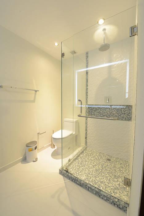 Juego de Texturas: Baños de estilo  por ESTUDIO TANGUMA, Moderno Azulejos