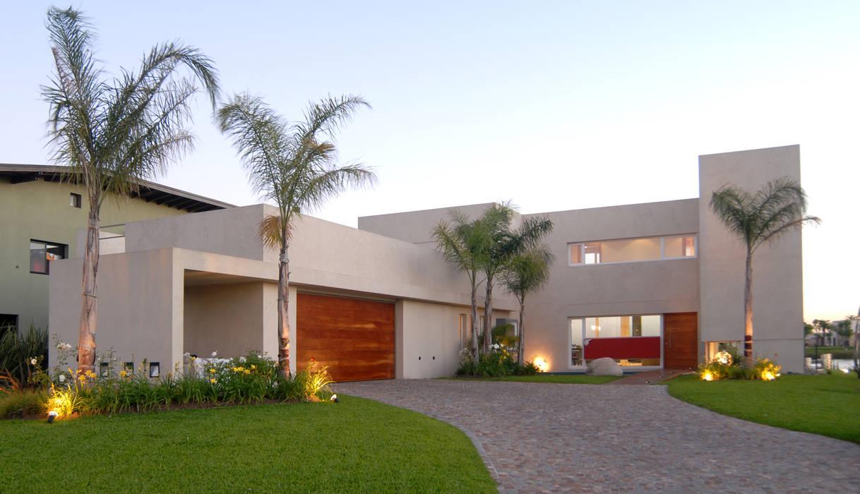 Maisons minimalistes par Ramirez Arquitectura Minimaliste Bois massif Multicolore