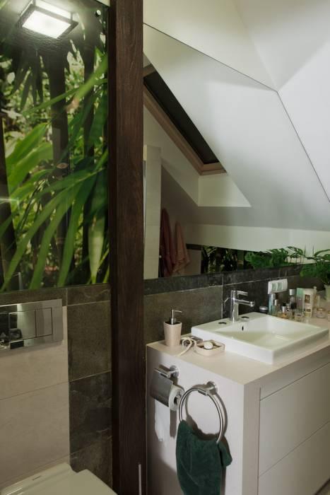 Modern Bathroom by ARTEMA PRACOWANIA ARCHITEKTURY WNĘTRZ Modern