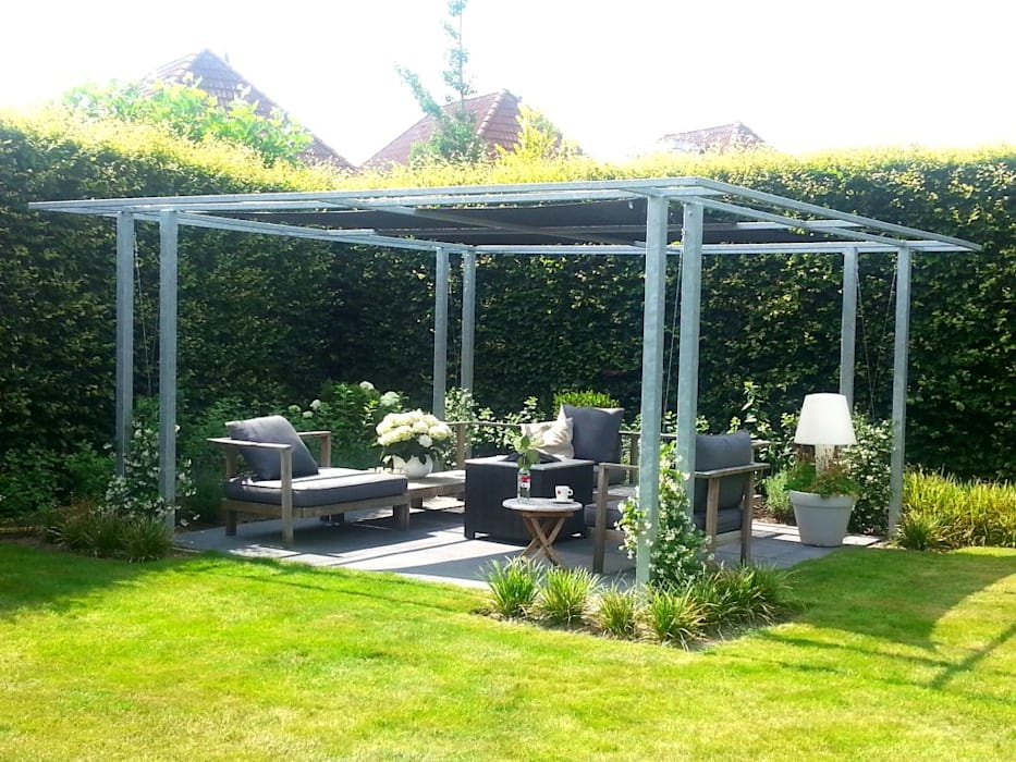 Moderne pergola van metaal terras door bladgoud tuinen homify