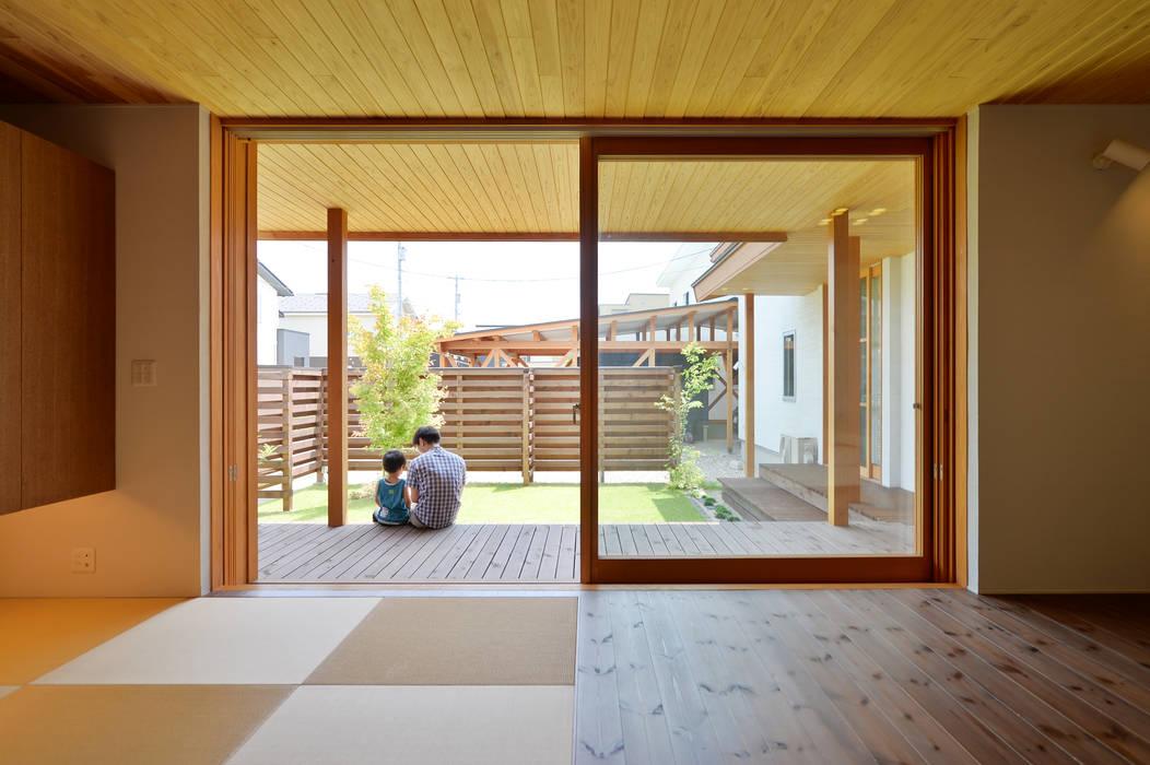 haws建築設計事務所 Scandinavian style living room Wood Beige