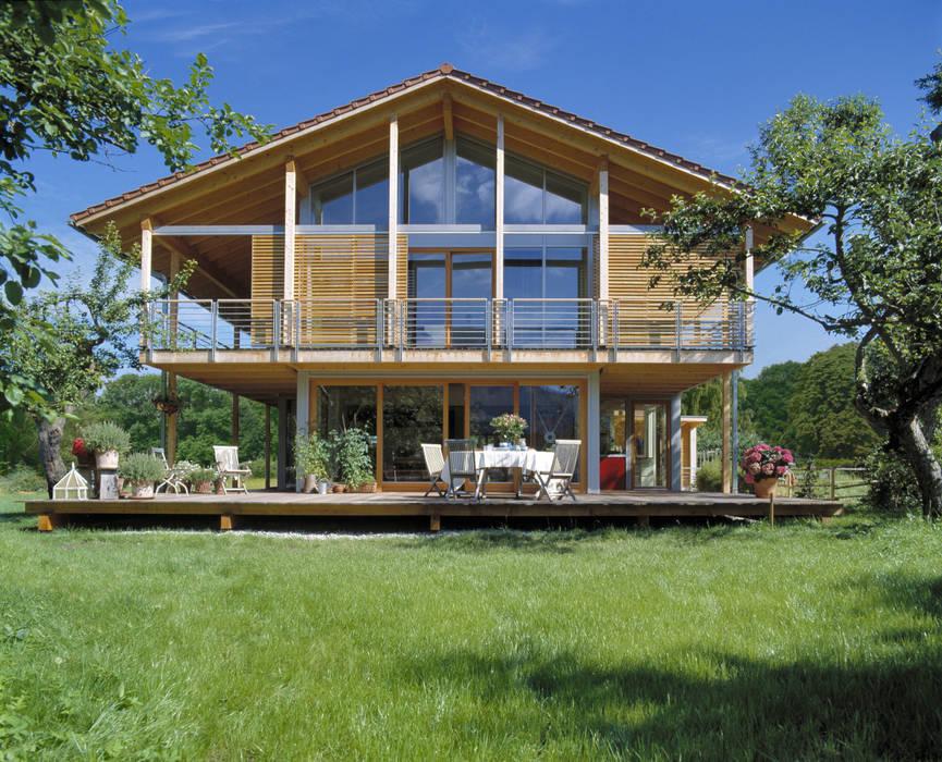 Casas modernas de Bau-Fritz GmbH & Co. KG Moderno